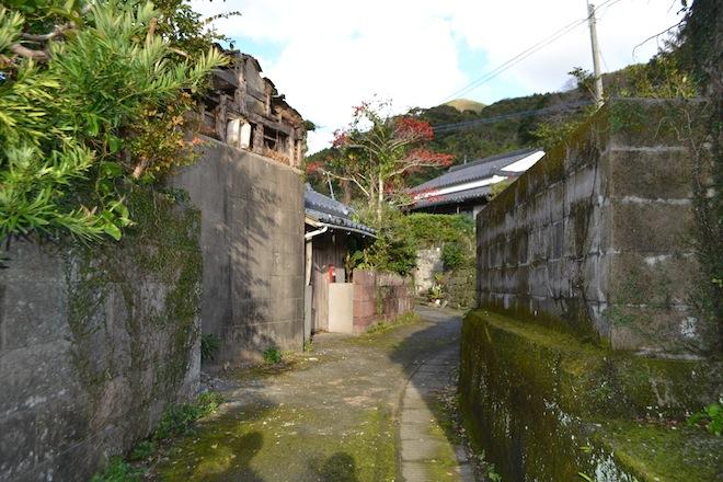 秋目の家並み2.JPG